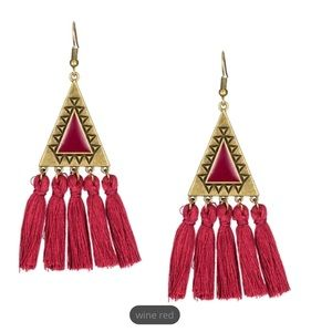 Dangling fringed ear rings. Wine red color